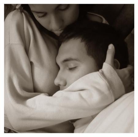 Amar é calor  e segurança  se unindo, tornando assim qualquer lugar propício, para dormir sem preocupações.